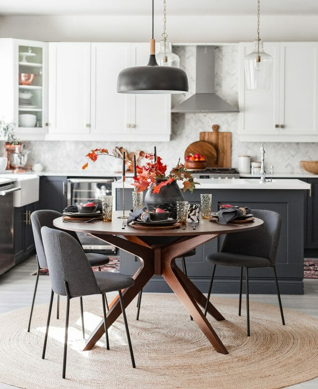 Blogger Craftberry Bush's eat-in kitchen features the Article round Conan table and Ceres chairs.