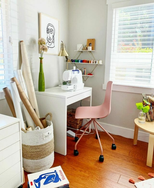 White desk with Dusty Pink Article Svelti Chair