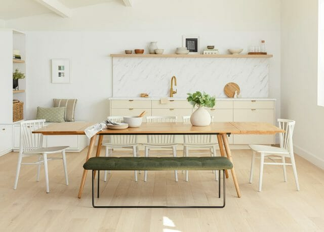The extendable Seno Dining table.